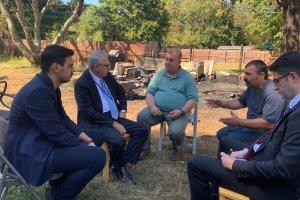 YTB Başkanı Eren, ABD'de Evi Kundaklanan Türk Aileyi Ziyaret Etti
