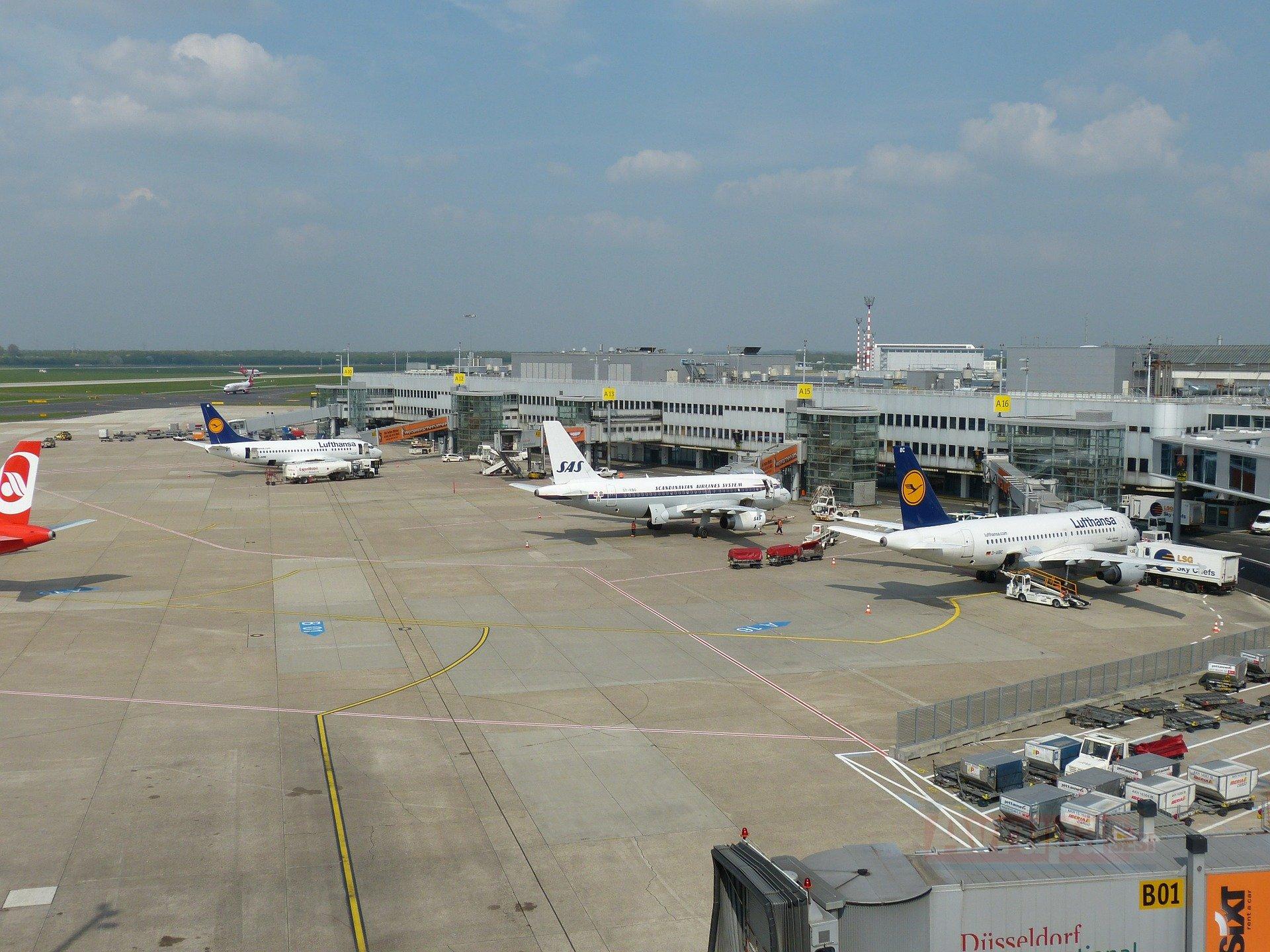 Almanya'da 3 havalimanında uyarı grevi yapılacak