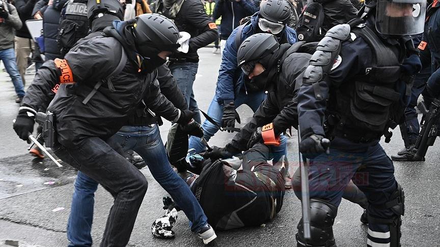 Fransa İçişleri Bakanından 'polis şiddeti' itirafı Fransa İçişleri Bakanı Castaner