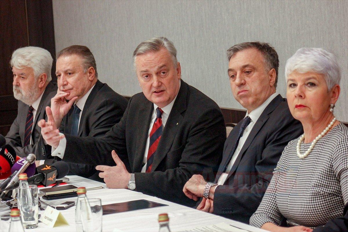 Güneydoğu Avrupa'nın eski cumhurbaşkanı ve başbakanları kulüp kurdu