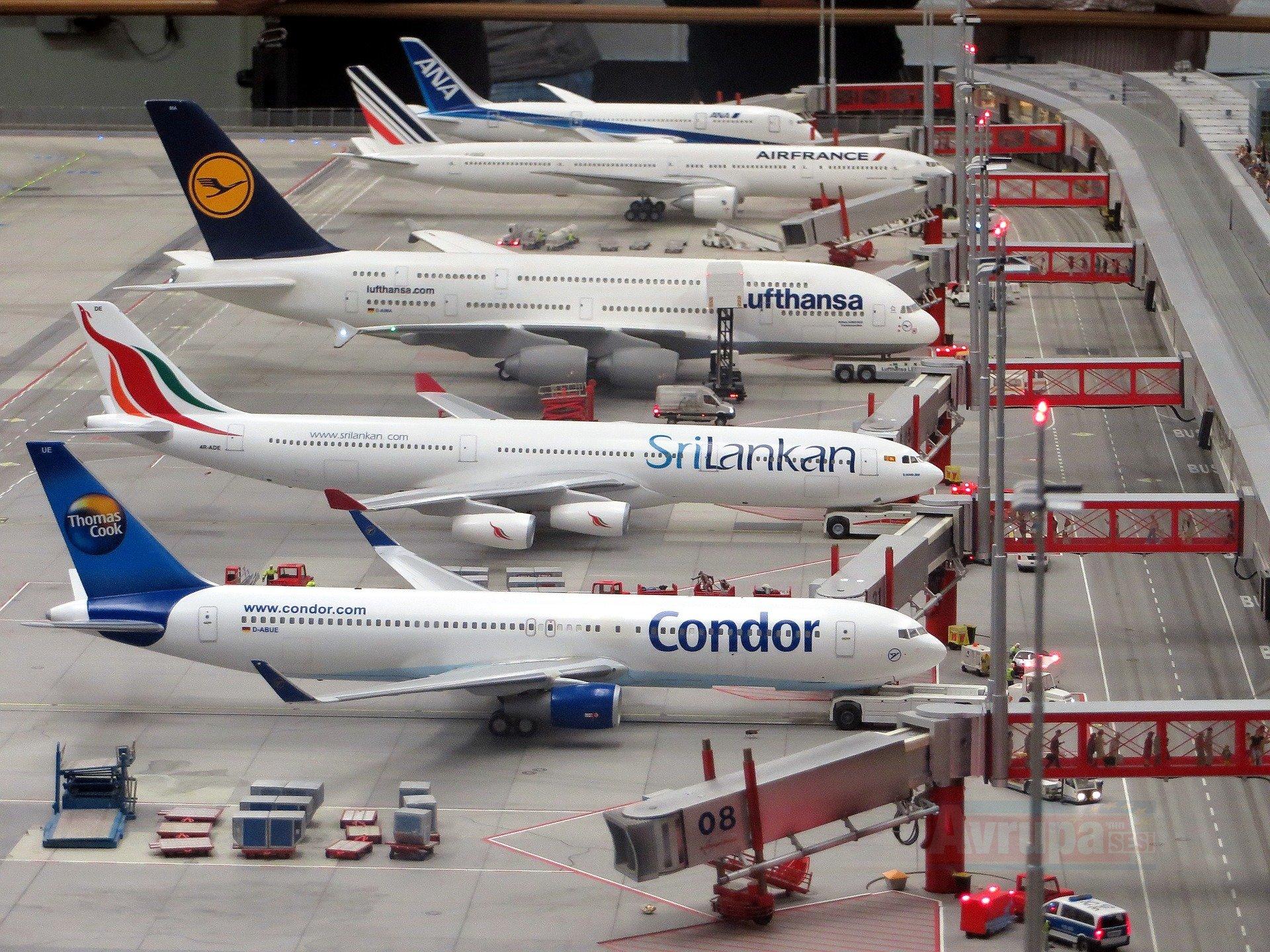 Hamburg'ta 72 uçuş iptal
