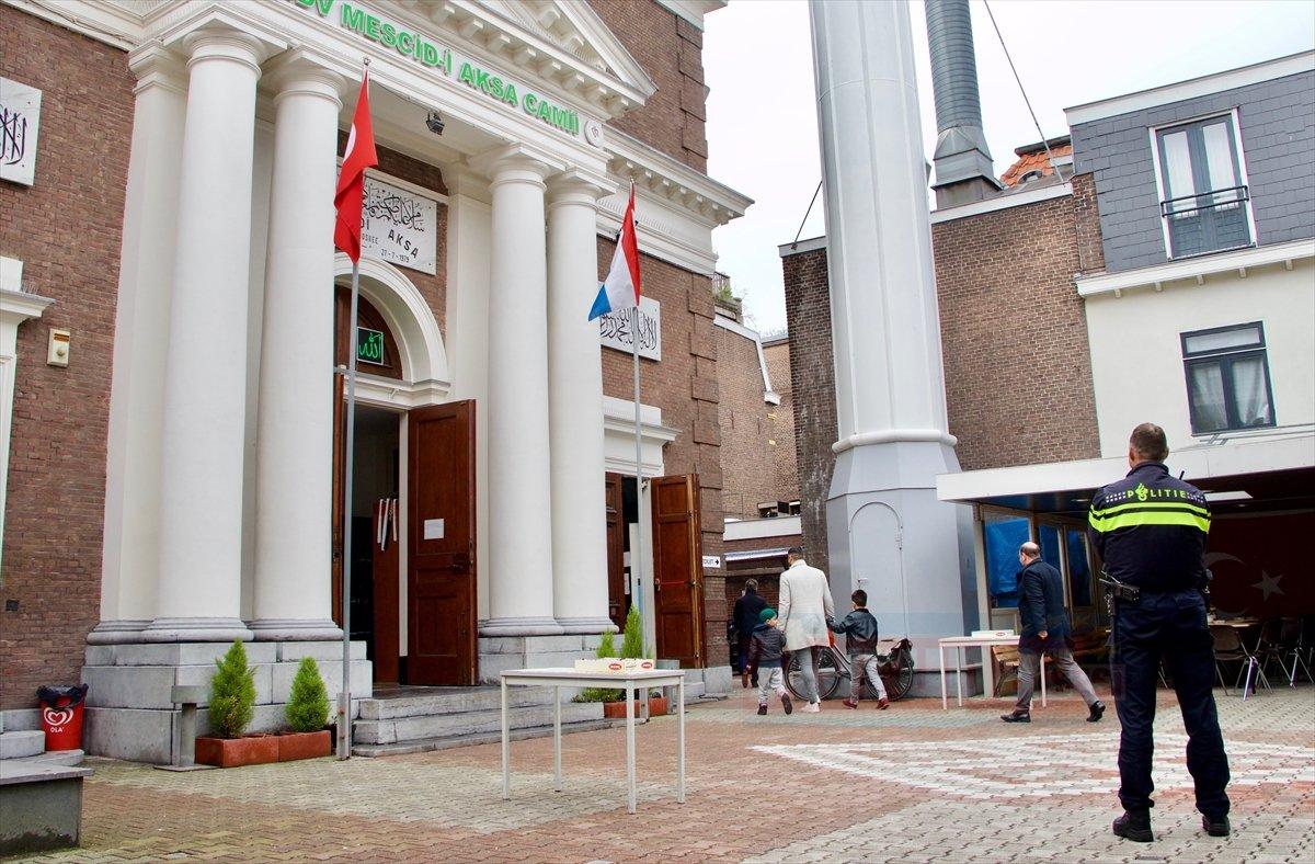 Avrupa'daki camilerde güvenlik önlemleri artırıldı