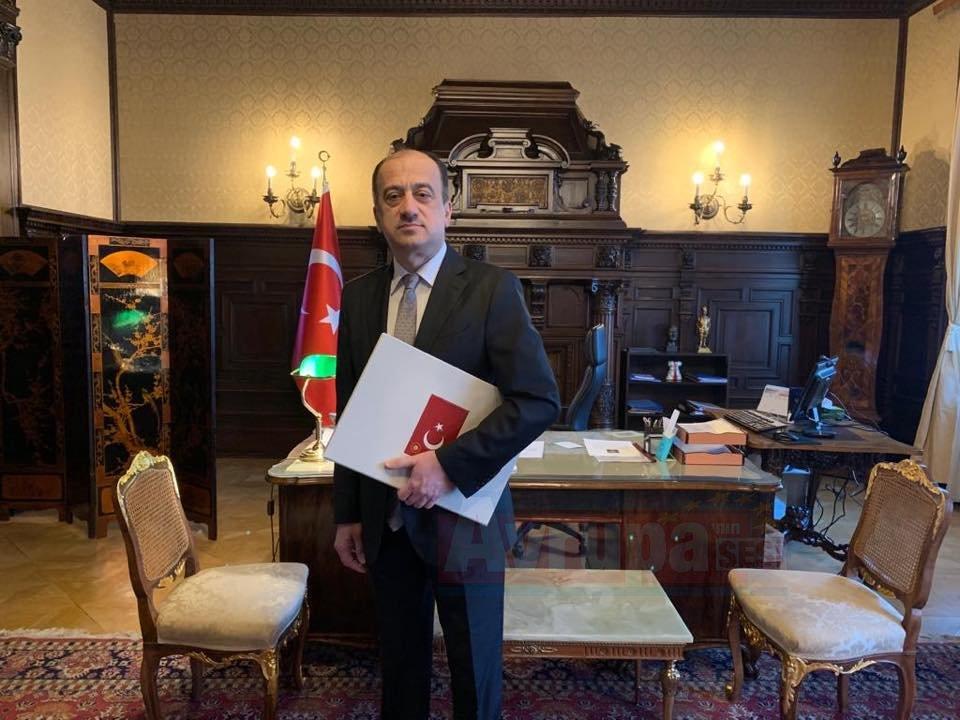 Büyükelçi  Ümit Yardım güven mektubunu sundu