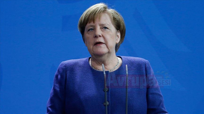 Merkel: Düzenli Brexit için mücadele etmeye devam edeceğiz