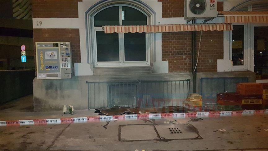 Almanya'da camiye saldıranlara hapis cezası