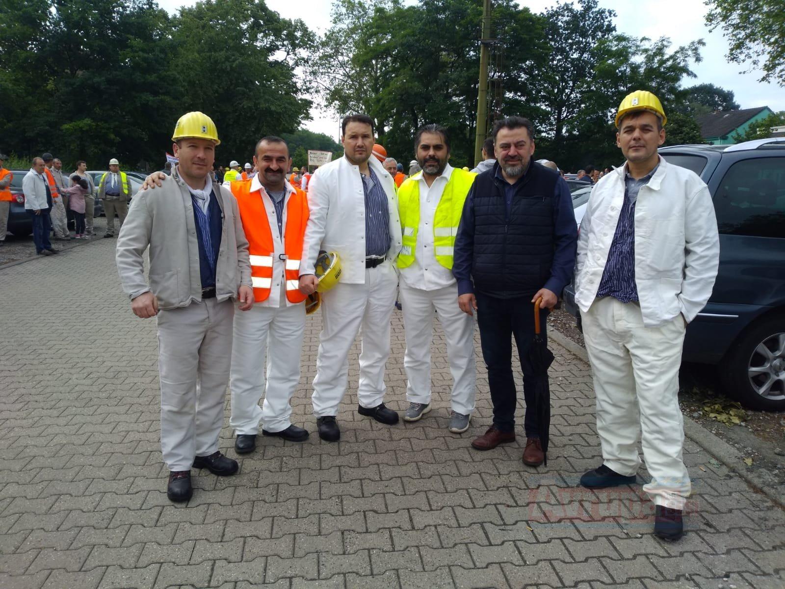 İşten çıkarılan maden işçilerine yürüyüşlü destek