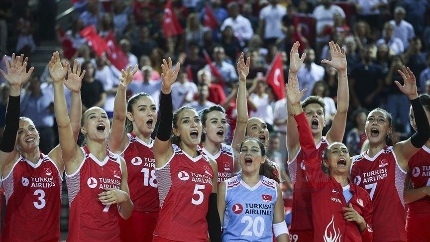 A Milli Kadın Voleybol Takımı Fransa'yı yenerek 4'te 4 yaptı