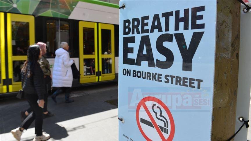 Avustralya'nın ünlü caddesinde sigara kullanımı yasaklandı