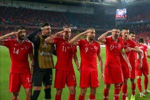 Milliler tek golle Mehmetçiğe selam gönderdi
