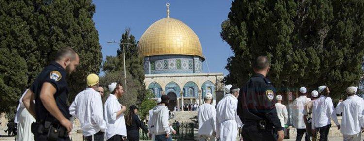 İsrail'li Fanatik Yahudiler Mescid-i Aksa'yı bastı