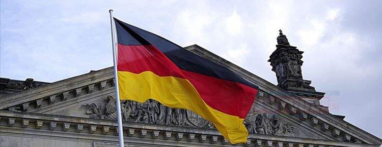 Almanya camilerin korunması sorumluluğunu kendi üstünden attı