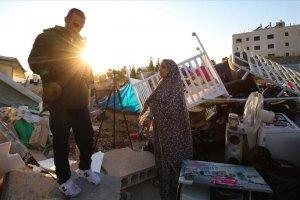 İsrail Kudüs'te Filistinli bir aileyi daha evsiz bıraktı
