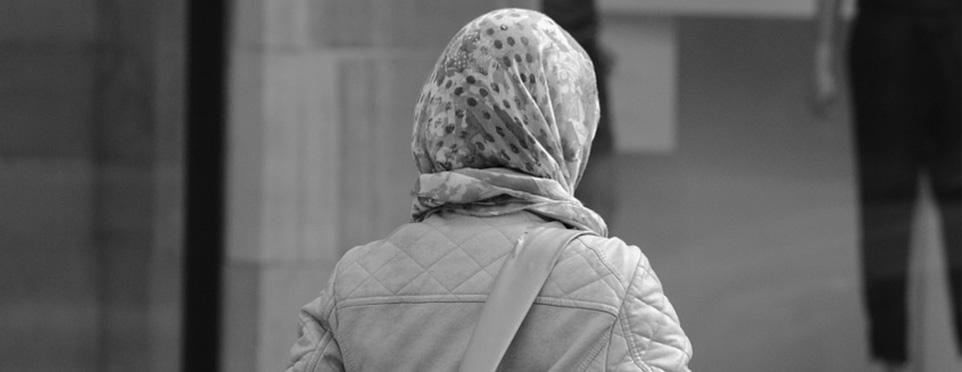 Almanya'da saldırıya uğrayan 65 yaşındaki başörtülü Türk kadın yaralandı