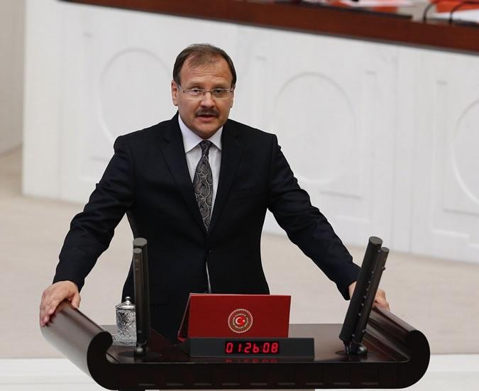 Hakan Çavuşoğlu milletvekilliği yeminini etti